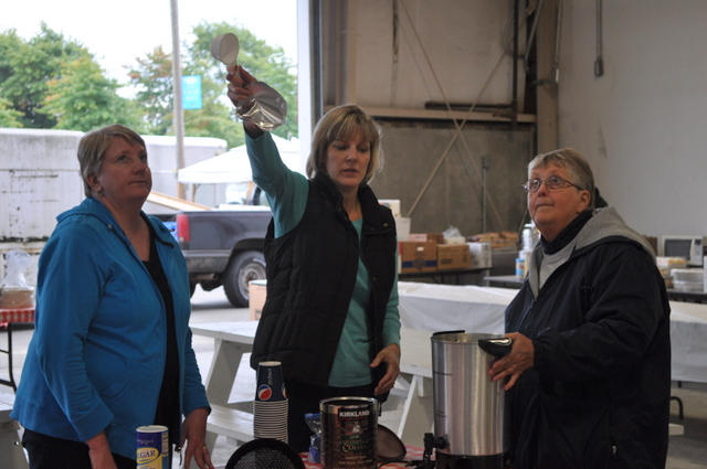 All hail the food goddesses... blessing of the coffee?